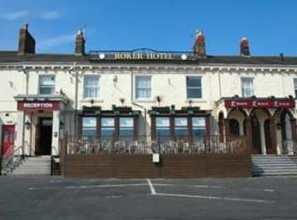 Roker lodge destination sunderland for Chaise guest house roker sunderland